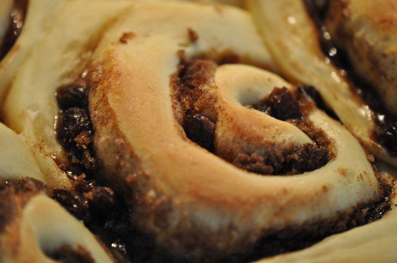 Cinnamon Rolls in pan 01