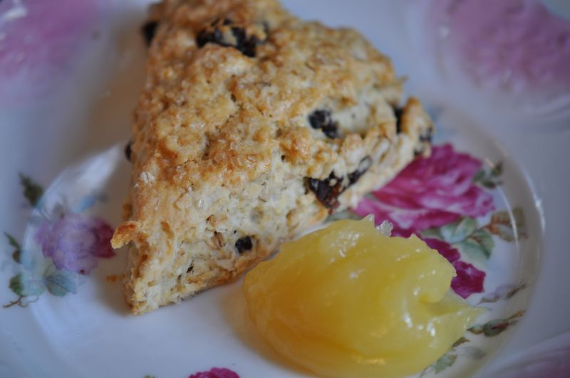 Oatmeal Scone with Lemon Curd