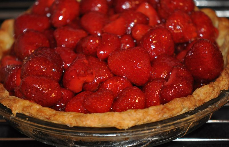 Strawberry love pie whole